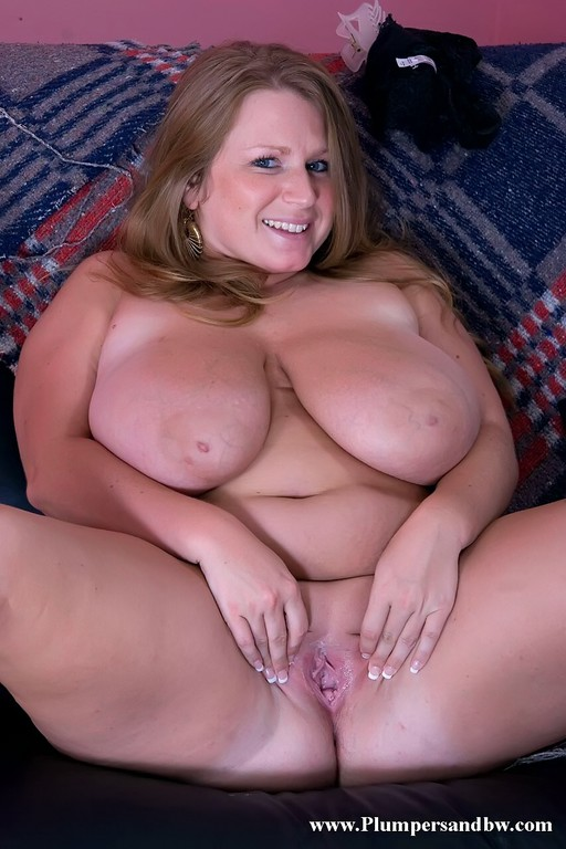 Big breasted mature slut playing with herself 3